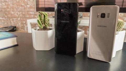 Los Galaxy S8 traen una carcas trasera cubierta con una capa de cristal
