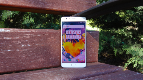 En esta galería puedes ver todas las fotografías del OnePlus 3T, para conocer mejor su diseño