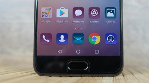 El lector de huellas del Huawei P10 Plus está ubicado en la parte frontal del móvil