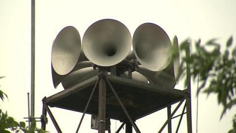 Hackean 156 sirenas de emergencia en Dallas, causando el pánico