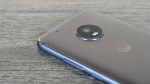 El metal ha llegado a los móviles de gama media de Motorola