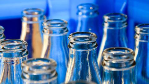 bateria botella vidrio reciclada