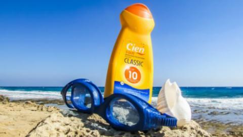 Ni siquiera el mejor protector solar protege tu salud si lo utilizas en exceso.
