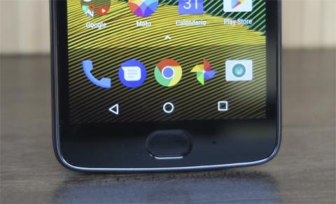 ¿Qué tal se maneja con una sola mano este móvil de Motorola? Lo resolvemos en esta review