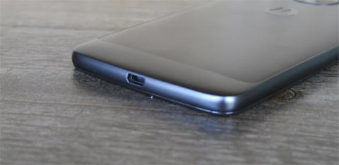 ¿Diseño premium o simplemente un buen acabado y punto? Lo discutimos en nuestras opiniones sobre el Moto G5