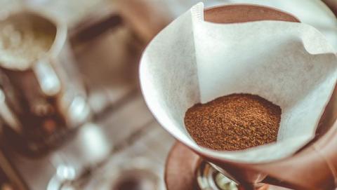 Nueva técnica más eficiente para producir diésel con posos de café