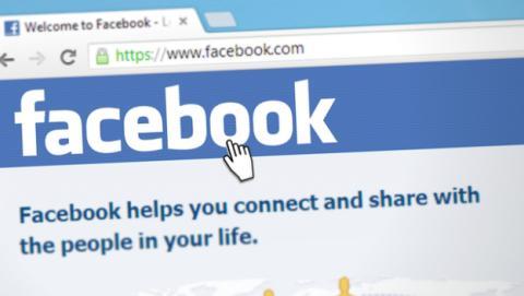 Francia multa a Facebook por problemas de privacidad.