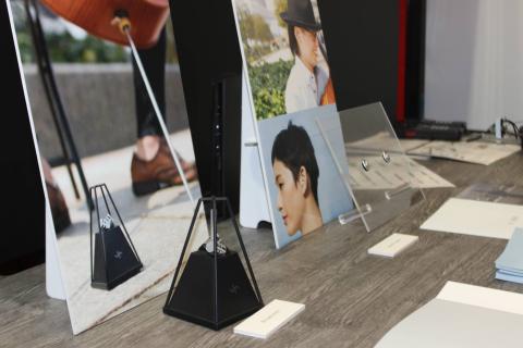 Fujitsu presenta auriculares que escuchan y reproducen sonidos