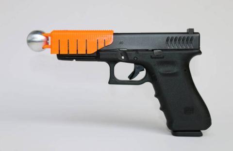"""""""La Alternativa"""" policial: el arma que abate, pero no mata"""