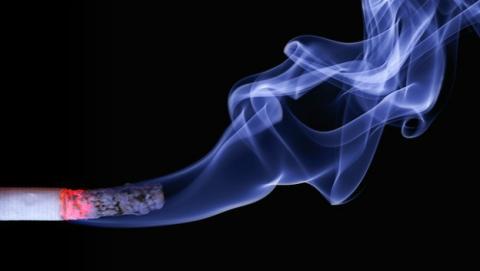 Los cigarrillos light dan más cáncer.