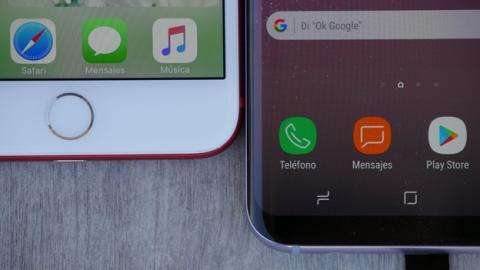 En la posición del lector de huellas no hay discusión posible: el vencedor es el iPhone 7 Plus
