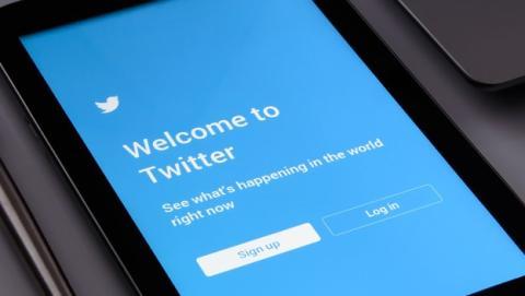 Error de Twitter permite publicar en otra cuenta