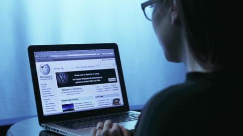 Wikipedia podría desaparecer por falta de recursos económicos