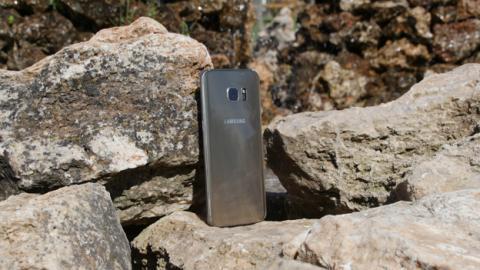 El S7 Edge sigue siendo un móvil excelente, especialmente si está en oferta y cuesta poco más de 400 euros