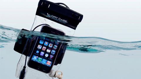 Protege tu smartphone con una bolsa estanca