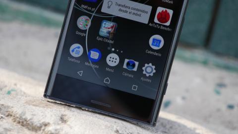 Para bien o para mal, el Xperia XZ Premium de Sony tiene un diseño diferente