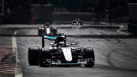 Cómo ver online y en directo Fórmula 1: GP de Azerbaiyán 2017 en Internet