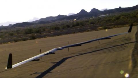 El dron Aquila de Facebook durante el aterrizaje