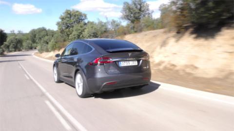 El Model X es uno de los coches más rápidos del planeta