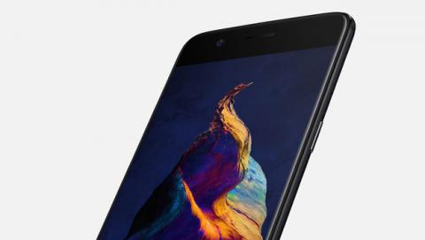 Dicen que la pantalla del OnePlus 5 está montada al revés