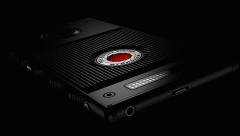 El fabricante de cámaras de gama alta RED ha anunciado un smartphone especial llamado Hydrogen. Un teléfono con pantalla holográfica.