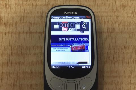 Pese a todo, en este móvil se puede navegar por la red a través de Opera Mini