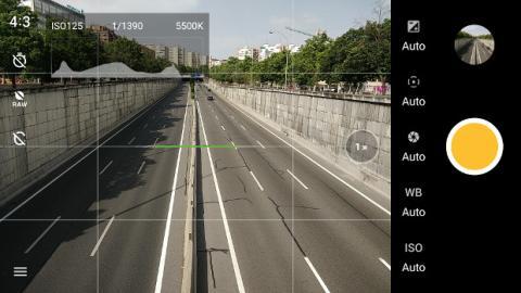 El nuevo modo profesional muestra un histograma en pantalla en tiempo real y almacena imágenes en formato RAW.