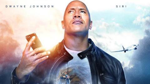 """la nueva película de Apple se llama """"The Rock x Siri"""" y Dwayne Johnson comparte cartel con Siri, el asistente de iOS"""