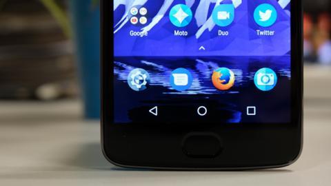 Detalle de la pantalla de este móvil de Motorola