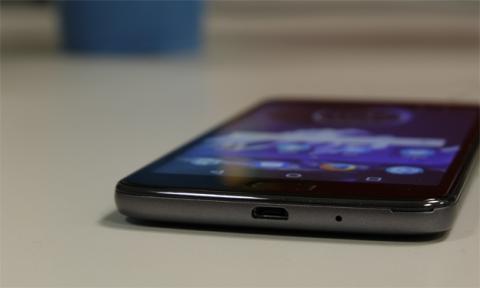 Tras el análisis del Moto E4, ya podemos dar nuestra opinión acerca de si este móvil es recomendable