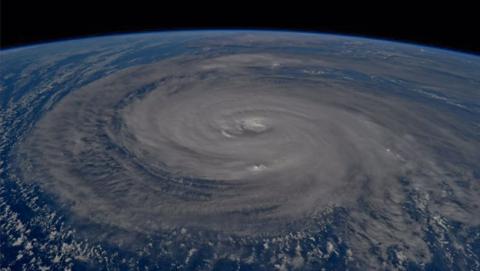 Espectaculares imágenes del tifón Noru
