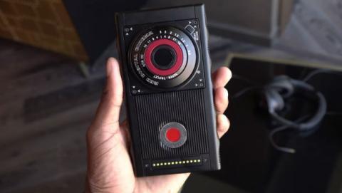 Ya podemos ver el prototipo de teléfono holográfico creado por el fabricante de cámaras RED