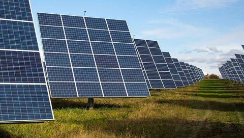 Encuentran vulnerabilidad en paneles solares que apagaría Europa