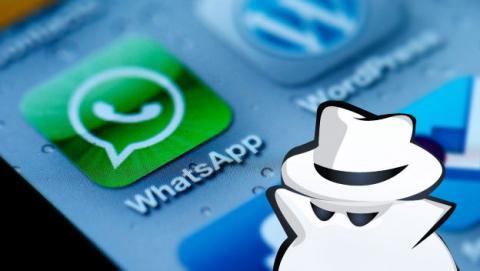 Cómo reproducir audios de WhatsApp sin activar el tick azul.