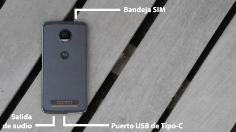 Distribución de las conectividades físicas de este móvil de Motorola