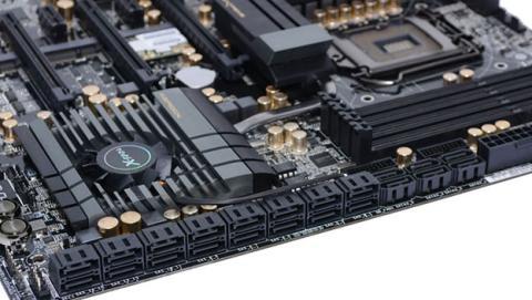 Placa bae con conectores SAS y SATA