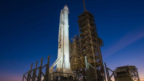 HPE y SpaceX enviarán hoy a la Estación Espacial Internacional una supercomputadora Linux.
