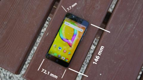 Las dimensiones del Alcatel A5 LED