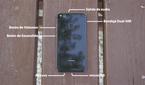 Así están repartidos los botones y las conectividades de este móvil de Huawei