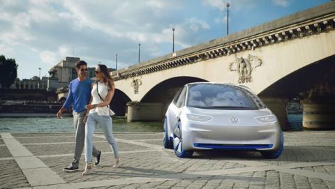 Volkswagen promete pasar a lo eléctrico sus 300 modelos de coches para 2030