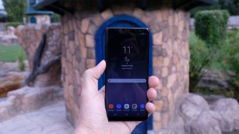 Así queda el Note 8 en la mano: es grande, pero por su anchura cabe sin problemas