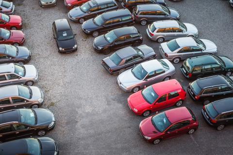 Si buscas un seguro barato debes evitar comprar estos coches