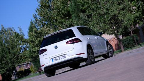 Así ha sido nuestra experiencia al probar el Volkswagen e-Golf, un coche cien por cien eléctrico
