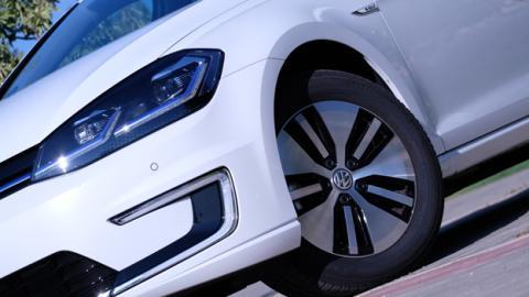 La retención de los coches eléctricos tiene más ventajas más allá de recuperar energía