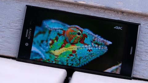 Ahora sigamos con el análisis del Xperia XZ1 hablando de la pantalla