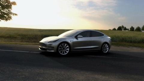 Las ventas del Tesla Model 3 van bien, aunque no la producción.