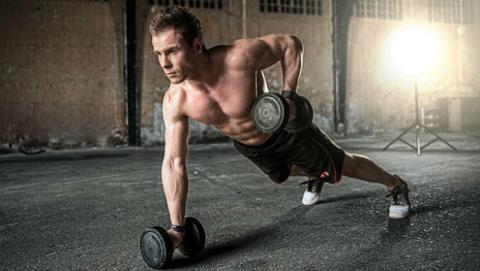 Hacer más horas de ejercicio de las recomendables es malo para el corazón.