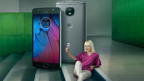 Encuentra el Moto G5s en este vídeo y podrás llevártelo a casa