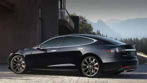 Tesla anuncia pérdidas económicas millonarias.