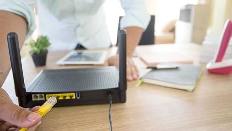 No sabes quién puede estar conectado a tu router, ¡protégelo!